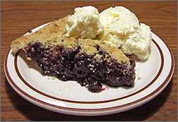 Blueberry Pie a la mode at Allouez Cafe in Green Bay, WI