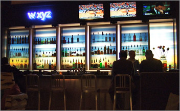 Bar at Aloft Hotel in Green Bay, WI