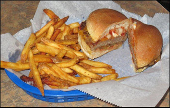 Restaurant Review of Nicky's Lionhead Tavern in De Pere, WI